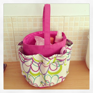 Avon hanging toiletry bag